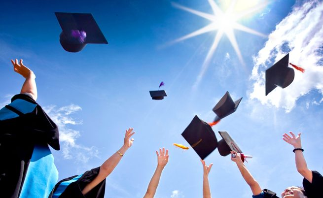 منحة دراسية مجانية 2021