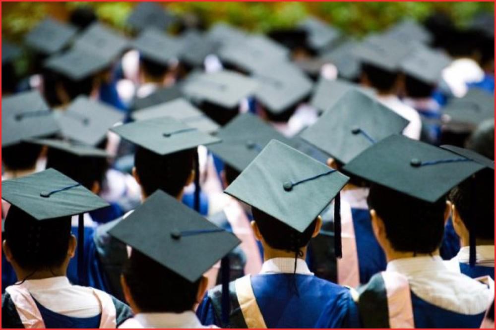 منح دراسية من رجال الأعمال في الإمارات 2021 و كيفيه الحصول عليها